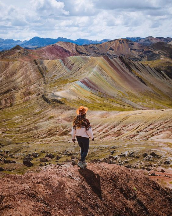 Palcoyo Rainbow Mountains Range - Full Day Hike